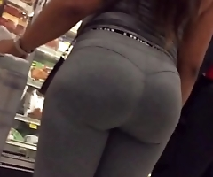Candid booty king