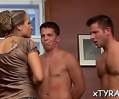 Dude gets his dick sucked in some sizzling sexy fetish act