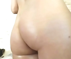 Sexy girl wet body masturbating on cam