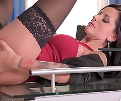 Milf Banging At The Office Makes Summer'_s Pussy Wet