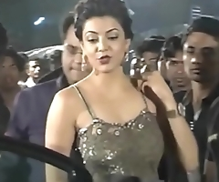 Hot Indian actresses Kajal Agarwal showing their juicy butts and ass show. Fap challenge #1.