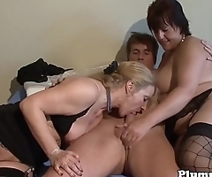 BBW sucking dick during threesome scene
