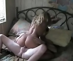 Vintage Amateur Homemade Fuck with Hooker in Hotel Room - MORE AT: http://adf.ly/1Zq824