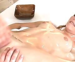 Pussyfucked babe drilled by her masseur